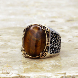 Cabochon-brown-gemstone-mens-ring