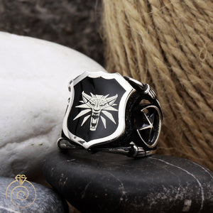 Star-shield-sign-silver-ring