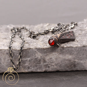arrow-warrior-symbole-mens-necklace