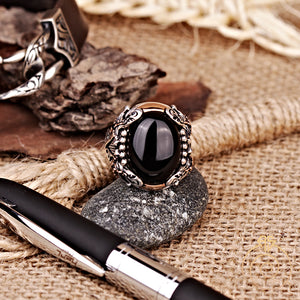 engagement-ring-man-vintage- viking