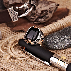 engraved-signet-carved--men's-ring