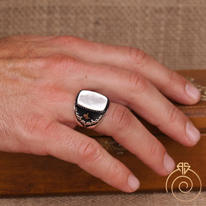 mop-gemstone-gift-men's-ring