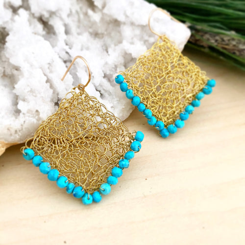 Wire crochet earrings with turuoise beads