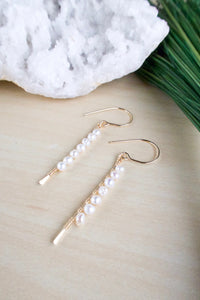 Vertical Freshwater Pearl Bar Earrings - Gold fill