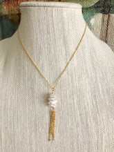 Load image into Gallery viewer, Vertical Keshi Pearl Necklace with Chain Tassel