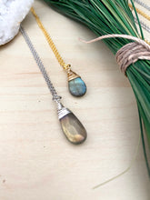 Load image into Gallery viewer, Labradorite Drop Necklace