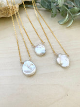 Load image into Gallery viewer, Single Keshi Pearl Necklace