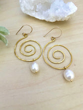 Load image into Gallery viewer, Spiral Earrings with Freshwater Pearl Drop