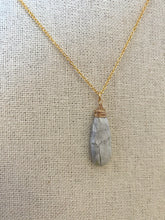 Load image into Gallery viewer, Howlite Gemstone drop necklace