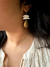 Load image into Gallery viewer, Raw freshwater stick pearls with hammered gold drop - 14k gold fill ear wires