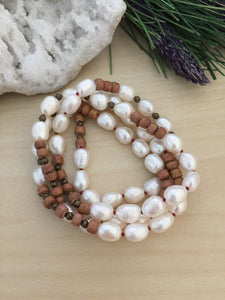 White freshwater pearl and wood necklace