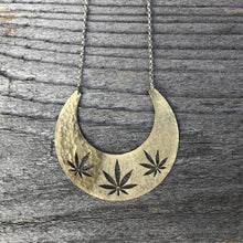 Load image into Gallery viewer, Cannabis Necklace