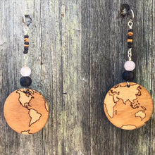 Load image into Gallery viewer, Small Wooden Earth Earring