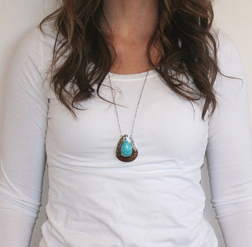 Simple Western Pendant Necklace