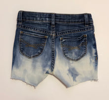 Load image into Gallery viewer, Denim Shorts - 18 to 24m
