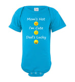 Mom's Hot, I'm Cute, Dad's Lucky Emoji Short Sleeve Baby Bodysuit Romper Jumper - wht