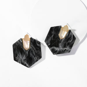 Lili Statement Earring