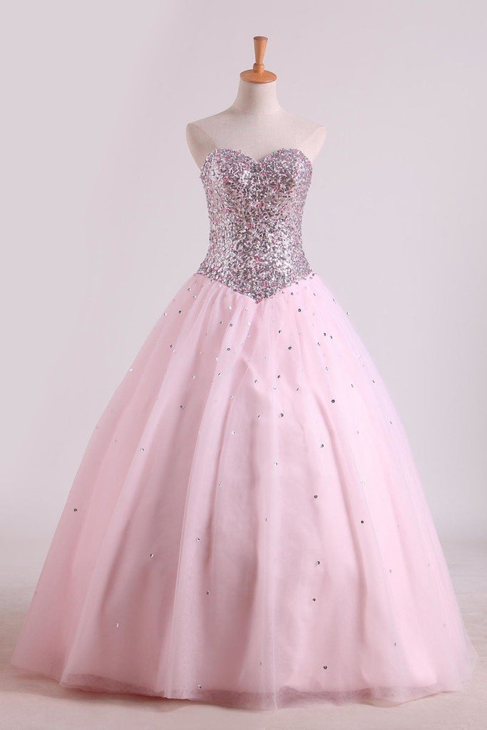 Awesome Ball Gown Sweetheart Prom Dresses Beaded Floor Length Lace Up