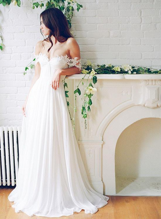 Charming A-Line Long Appliques Wedding Dresses