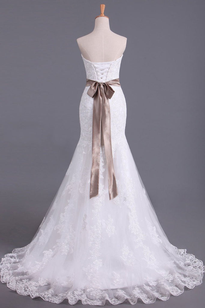 Lace Up Sweetheart Wedding Dresses Organza With Applique And Sash Mermaid