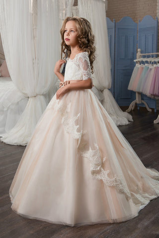 2019 Tulle Bateau Flower Girl Dresses Short Sleeves With Applique And Sash