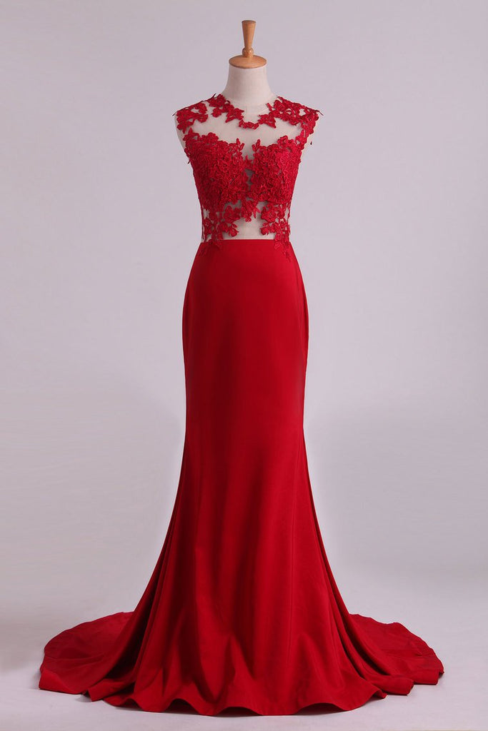Red Scoop Mermaid Prom Dresses With Applique