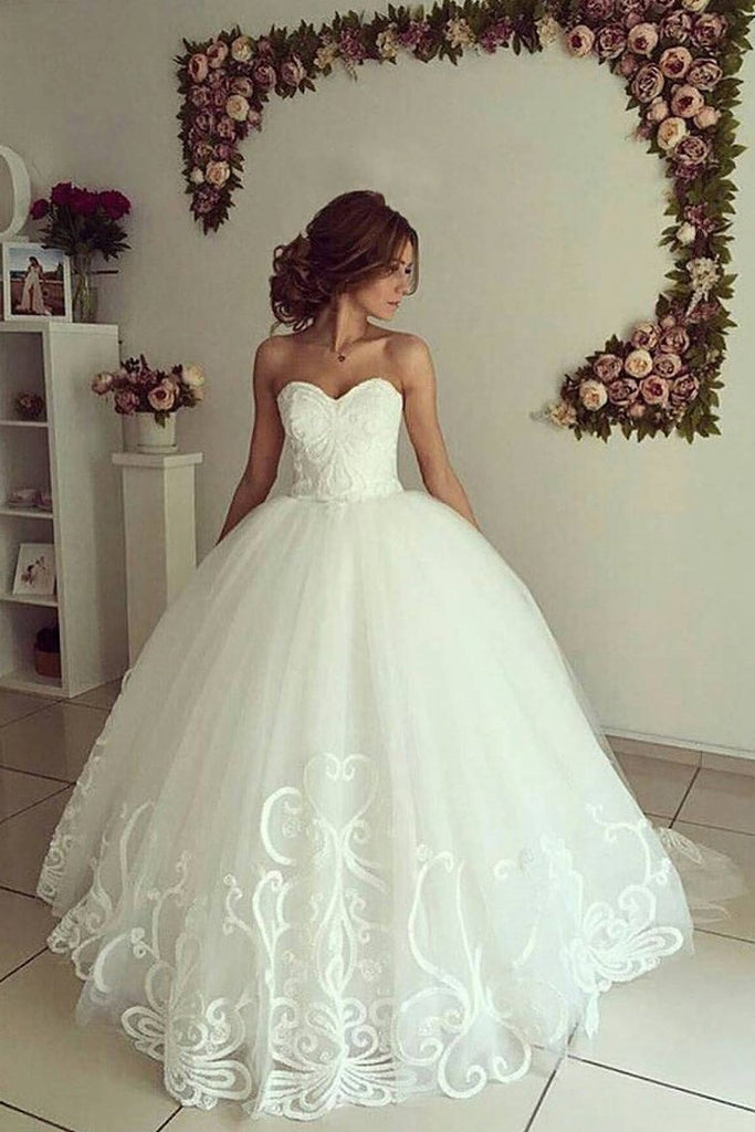 Sweetheart A Line Tulle Wedding Dresses With Applique Sweep Train