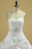 New Arrival Sweetheart Wedding Dresses With Ruffles And Beads Chapel Train Taffeta