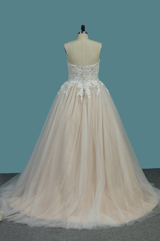 A Line Sweetheart Tulle With Applique Court Train Wedding Dresses