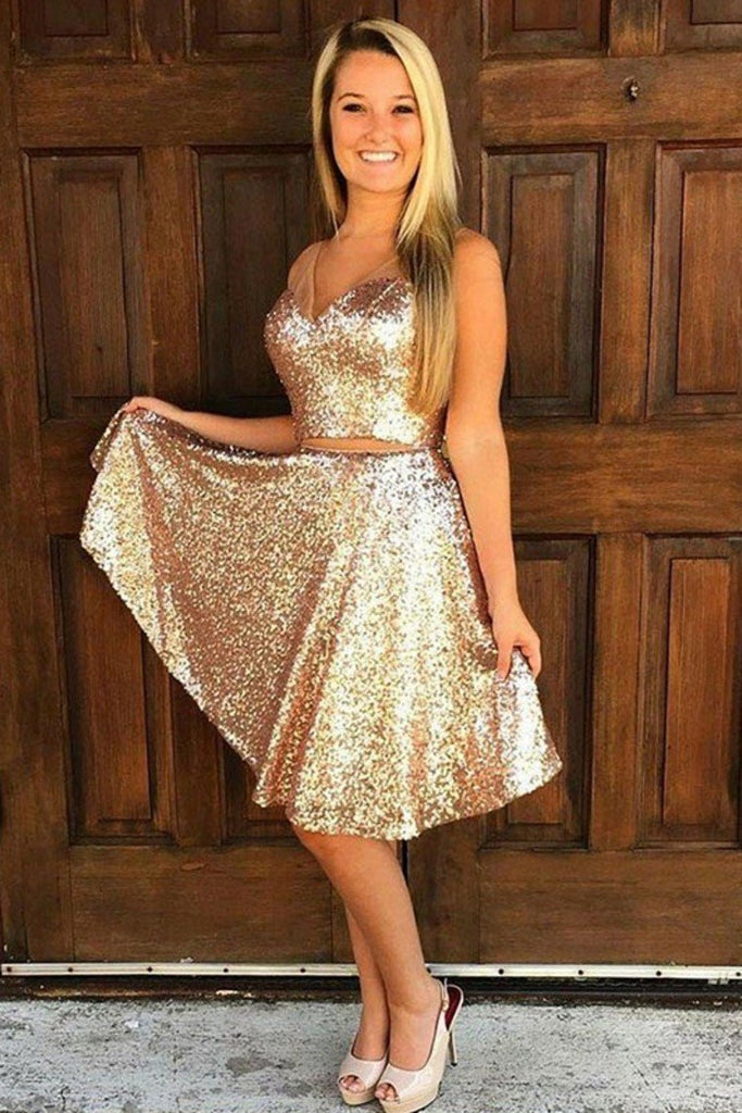 Two-Pieces Homecoming Dresses V-Neck Knee-Length Sequins Lace