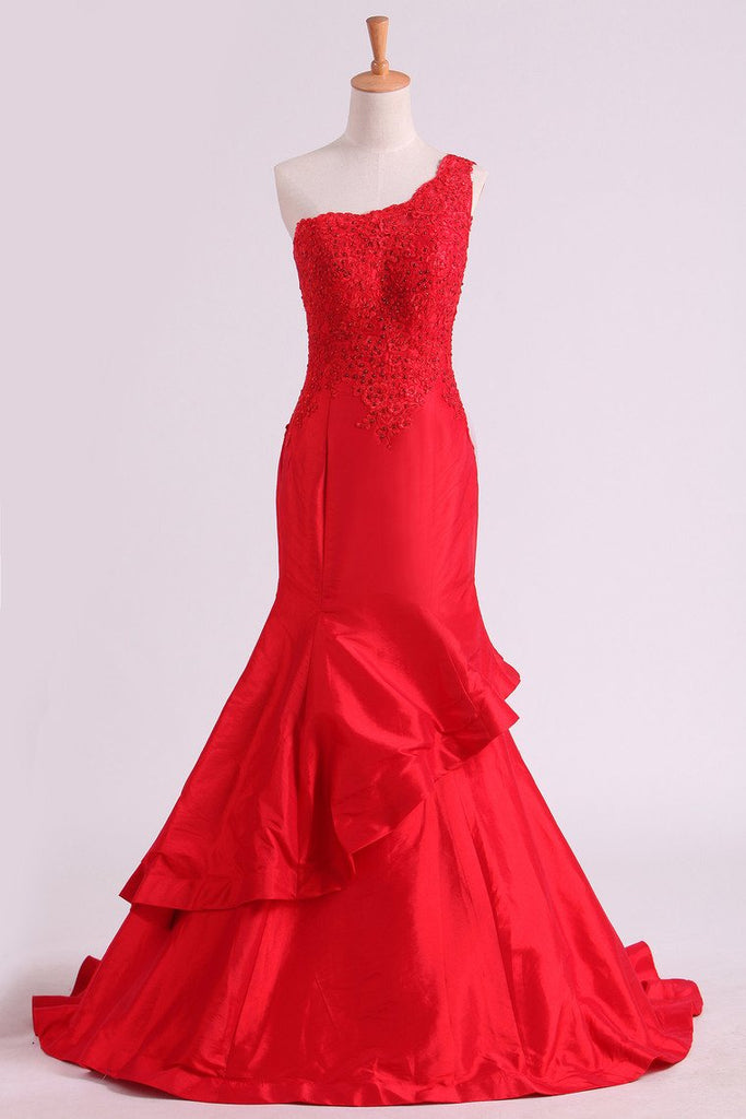 Red One Shoulder Mermaid Prom Dresses Taffeta With Applique & Beads