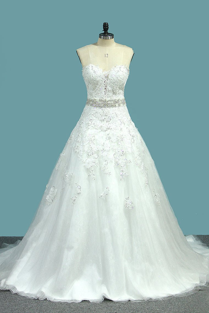 New Arrival A Line Sweetheart Tulle Wedding Dresses With Applique And Beads