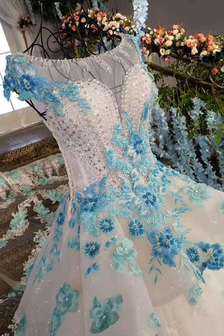 2019 New Arrival FloralWedding Dresses Scoop Neck With Appliques And Handmade Flowers Lace Up