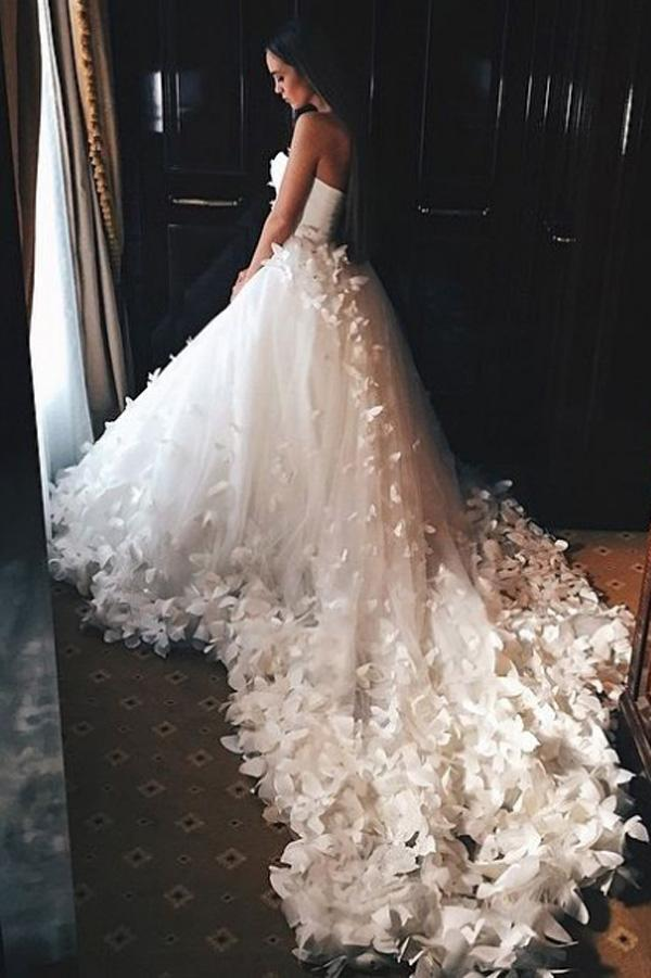 Elegant Sweetheart Strapless Lace up Tulle Court Train Wedding Dresses With Flowers PW233