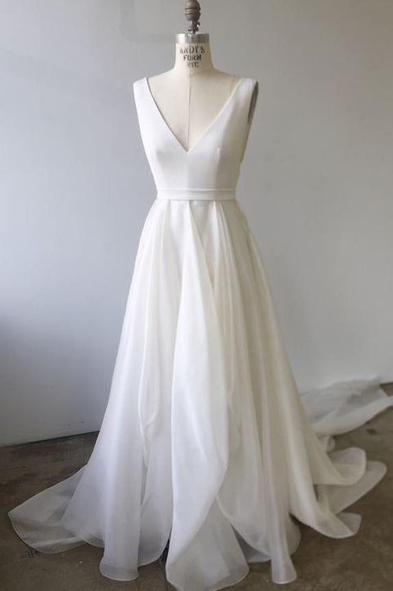 A Line Ivory Chiffon Long Gowns V Neck Straps V Back Beach Wedding Dresses