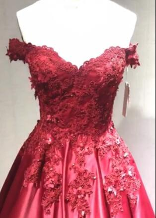 Ball Gown Red Lace Appliques Prom Dresses Off the Shoulder Quinceanera Dresses JS500