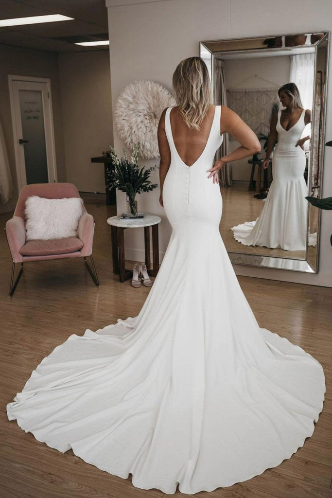 Chic V Neck Mermaid Wedding Dresses Ivory Satin Long Cheap Beach Wedding Gowns W1031