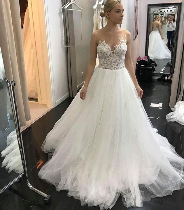Flossy A Line Sleeveless Lace Ivory Tulle Wedding Dresses, Bridal Gown with Appliques PW341