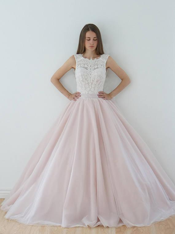 A Line Nude Tulle Pink Lace Appliqued Ball Gown Lace up Beach Wedding Dresses JS918