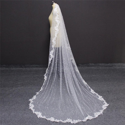 High Quality Pearls Wedding Veil with Lace Appliques Edge