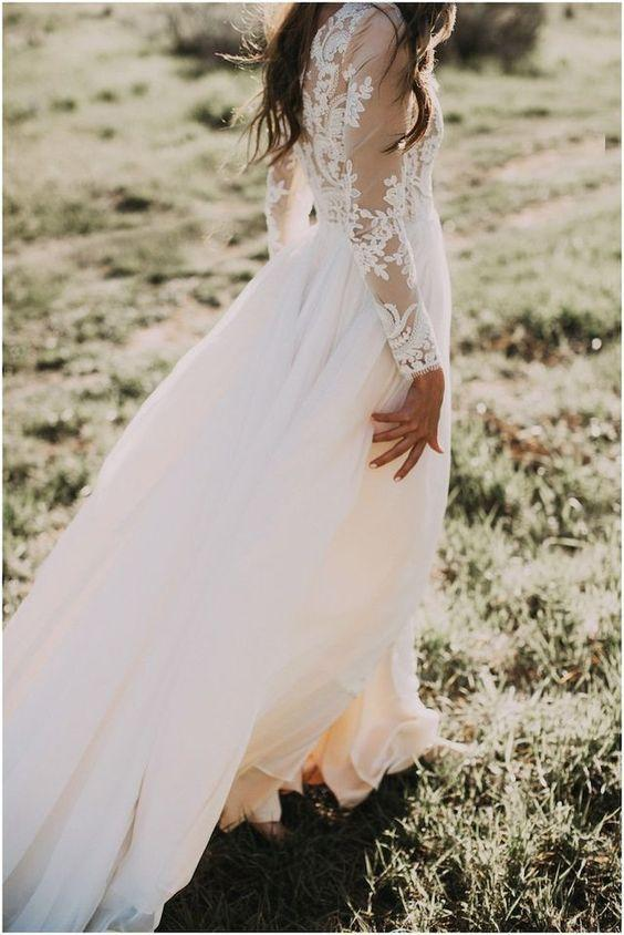 Princess A Line Long Sleeve Rustic Scoop Lace Appliques Tulle Ivory Beach Wedding Dress JS827
