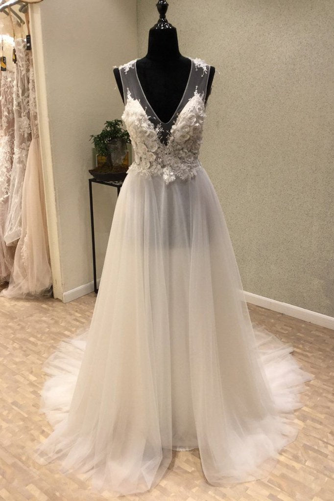 Cheap V-Neck Open Back Tulle Ivory Beach Long Appliques A-Line Sleeveless Wedding Dress JS598