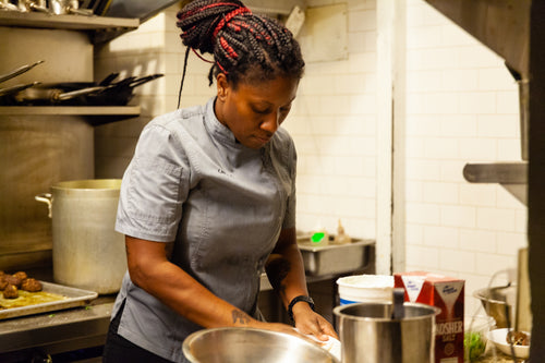 Women Who Cook Vol. 1  Chef Aziza Young 2/7