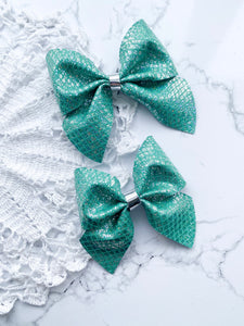 Teal Netted // Fir // Hairbow