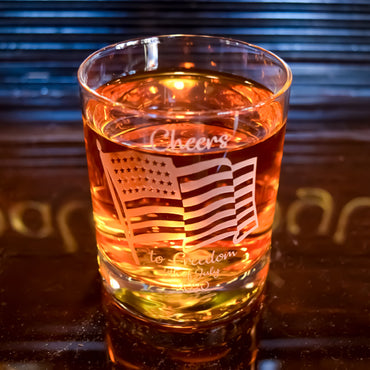 4th July US Flag Engraved Whiskey Glass