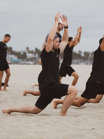 There Are a Ton of Yoga Benefits for Men. So Why Am I the Only Guy in Class?