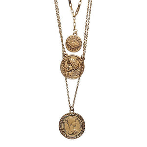 Triple layer chain with coins