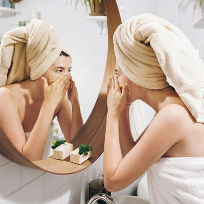 How to Choose the Right Exfoliator for Your Skin | BONIIK Blog
