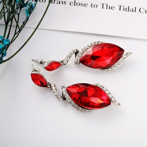 Long Pendant Earring with Diamond