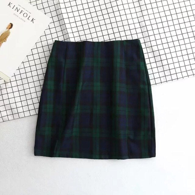 Harajuku Plaid Tight Skirt With Front Slits (Green)
